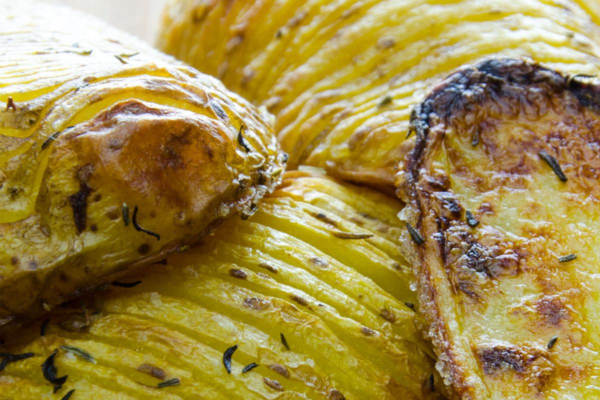 Fächerkartoffeln aus dem Backofen